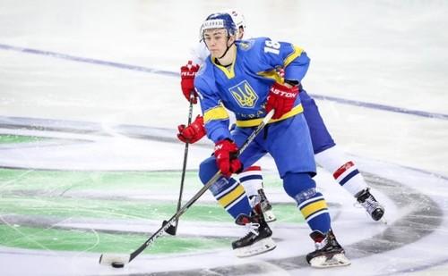 Украинские хоккеисты проиграли 3-й раз подряд, однако сумели сохранить прописку вдивизионе