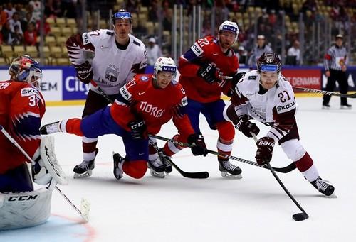 Хоккеисты Швейцарии иЛатвии победили вматчах чемпионата мира вДании