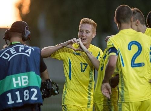 Сборная Украины спервого места вышла вполуфинал Евро U-19