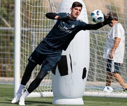 """Агент Куртуа: «Тибо мучился отстресса, переживал, что трансфер в""""Реал"""" сорвется»"""