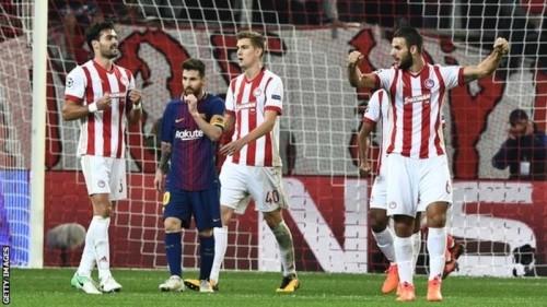 ВладелецФК «Олимпиакос» оштрафовал команду и преждевременно отправил ряд игроков вотпуск