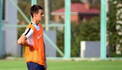 Известного украинского футболиста пригласили играть засборную Венгрии