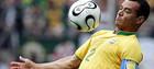 Кафу раздумывает о возвращении в футбол