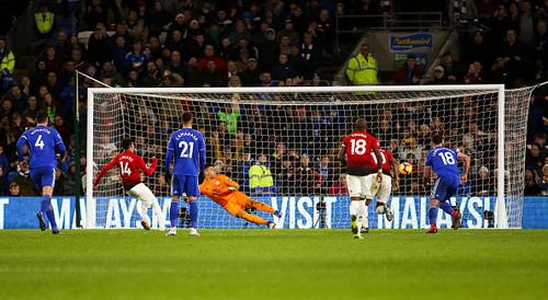 Манчестер Юнайтед уничтожил Кардифф в первом матче Сульшера