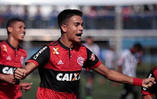 Реал и Манчестер Сити могут побороться за 16-летнего таланта Фламенго