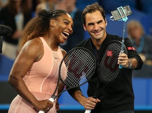 ФОТО ДНЯ. Серена Уильямс и Роджер Федерер впервые встретились на корте