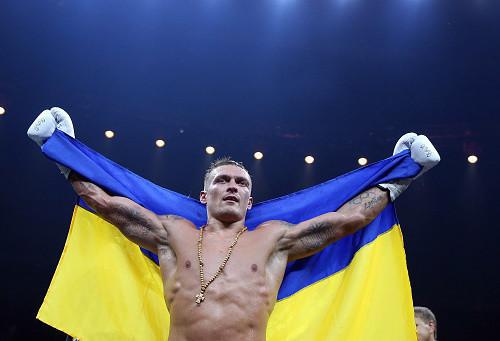 Усик может провести еще два боя с российскими боксерами