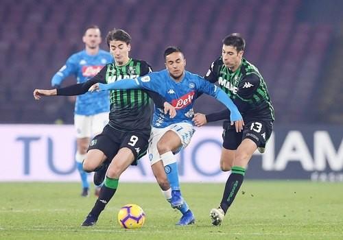 Наполи победил Сассуоло и вышел в четвертьфинал Кубка Италии