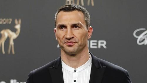 Кличко опроверг информацию о возобновлении карьеры