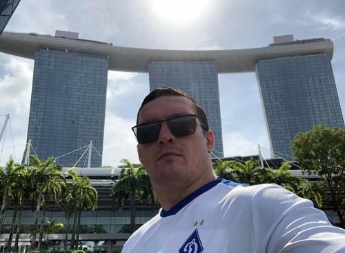 ФОТО ДНЯ. Усик отдыхает в Сингапуре