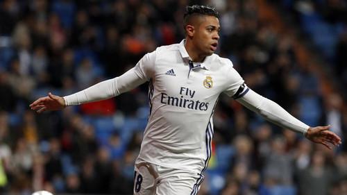 Реал не отпускает Мариано Диаса в Валенсию