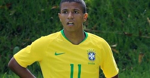 Сиприано помог Бразилии победить Венесуэлу