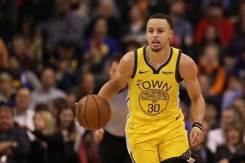 Яркий дриблинг и бросок Карри - в топ-5 дня НБА