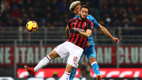 Милан и Наполи расписали безголевую ничью