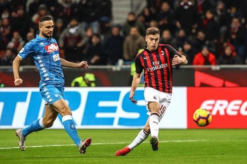 Пентек оформил дубль в первом тайме матча с Наполи