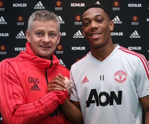 Марсьяль продлил контракт с Манчестер Юнайтед