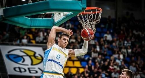 Санон и Пустовой - в расширенной заявке Украины на матчи отбора ЧМ