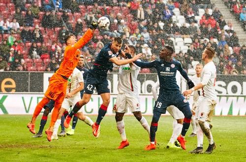 Аугсбург – Майнц – 3:0. Видео голов и обзор матча