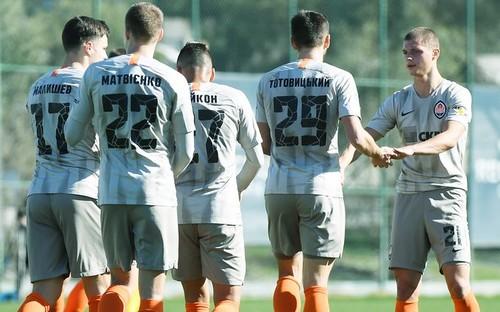 Шахтер разгромил болгарский Ботев в товарищеском поединке
