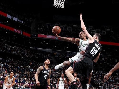 НБА. Очередная победа Хьюстона, Милуоки упрочняет лидерство