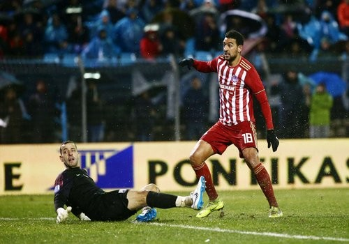 «Олимпиакос» сыграл вничью в четвертьфинале Кубка Греции