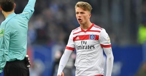 Бавария купила 19-летнего нападающего Гамбурга