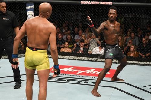 UFC 234. Андерсон Силва и Адесанья получили бонус за лучший бой вечера
