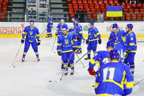 Сборная Украины впервые в истории уступила Румынии