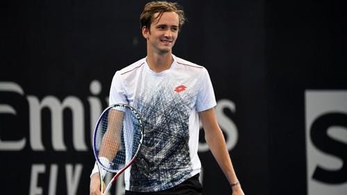 Медведев выиграл турнир в Софии