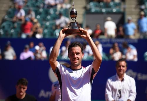 Чеккинато выиграл третий титул в карьере