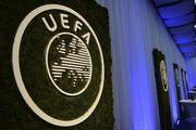 УЕФА не накажет Олимпиакос за российский флаг на матче с Динамо