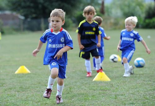 «Детские тренеры должны не тренировать, а учить играть в футбол»