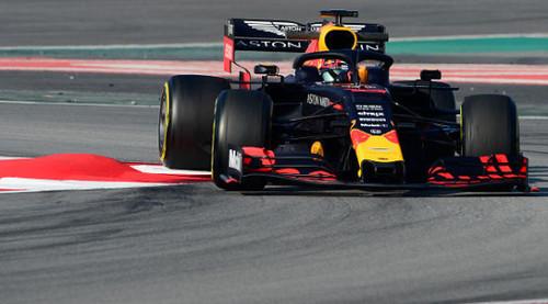 Ред Булл: «Феррари - впереди, Мерседес третий по скорости»