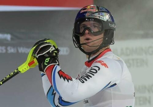 Пинтуро выиграл комбинацию в Банско