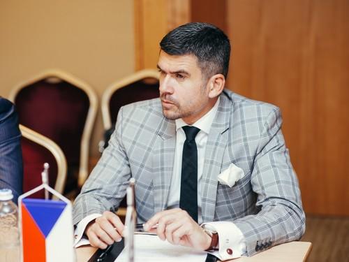 Президент Всесвітньої федерації міні-футболу їде в Україну