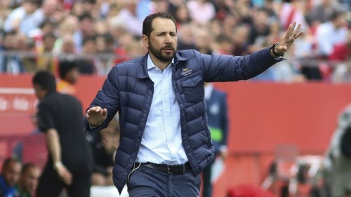 Тренер Севильи отказался пожать руку наставнику Барселоны