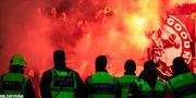 Матч Кубка Швеции прервали из-за пиротехники фанатов