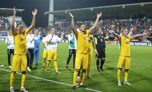 «Вірні збірній» громко поддержали украинскую команду в Чехии