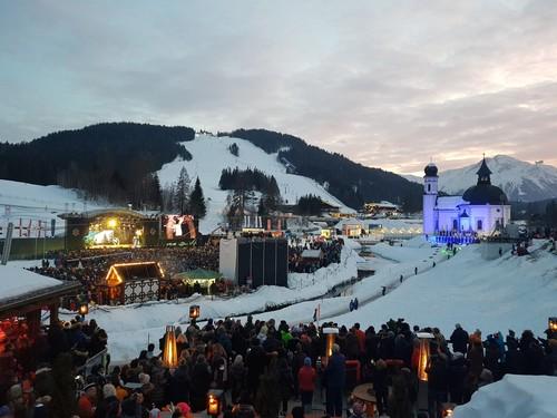 Видео. Норвежский лыжник неудачно приземлился с высоты 99 метров