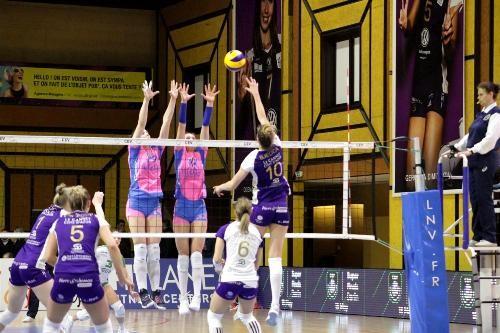 Первые полуфиналы женского Кубка Вызова игрались по пять партий