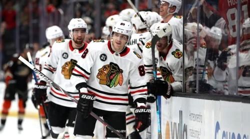 НХЛ. 10 подряд победа Тампы, успехи Калгари, Чикаго и Колорадо