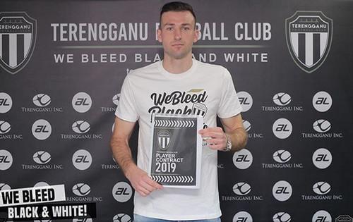Украинский футболист продолжит карьеру в Малайзии