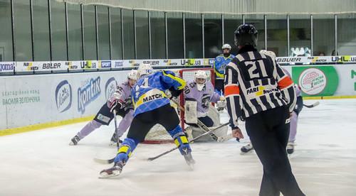 Днепр повел в четвертьфинальной серии плей-офф против Ледяных Волков
