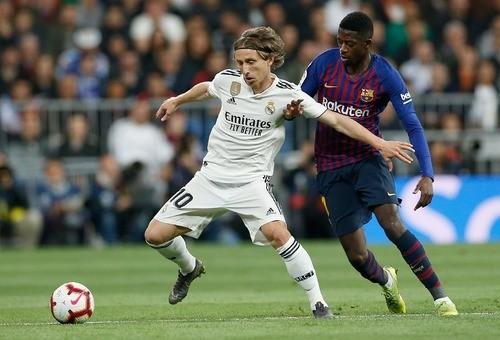 Гол Ракитича принес Барселоне минимальную победу над Реалом