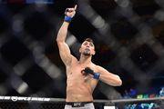 Боец UFC нокаутировал соперника, но травмировался, празднуя победу