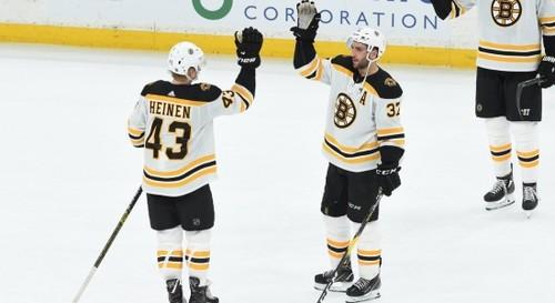 НХЛ. День овертаймов и буллитов, серии Бостона и Тампы