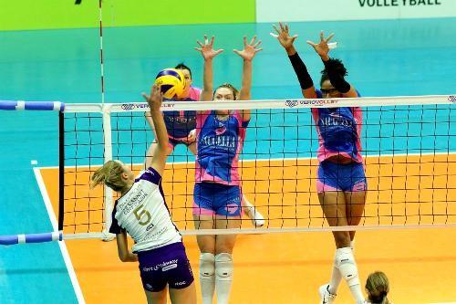 В финале женского Кубка Вызова сыграют клубы из Турции и Италии