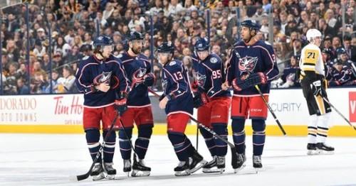 НХЛ. Коламбус бьет Питтсбург, победы Бостона, Тампы, Чикаго и Вегаса