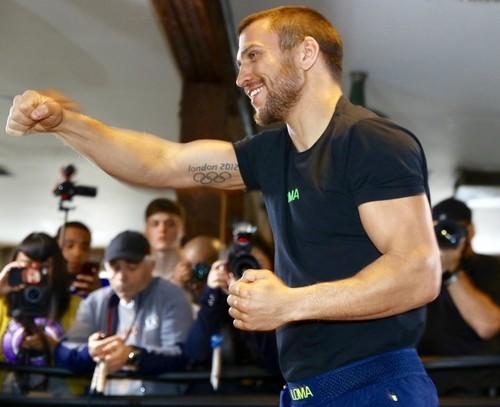 Ломаченко провел открытую тренировку перед боем с Кроллой