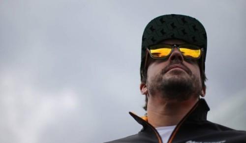 Фернандо Алонсо подписал семь киберспортсменов в свою команду